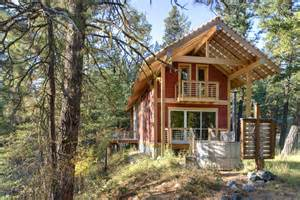 Small Two Story Cabin by Cool Cabins Rooms Eye On Design By Dan Gregory