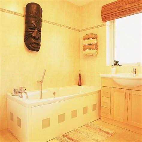 yellow bathroom suite 91 best yellow bathrooms images on pinterest bathroom