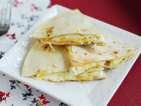 quick and easy breakfast quesadillas