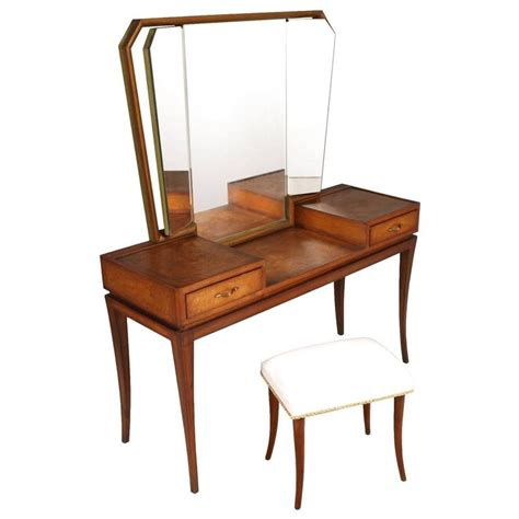 Dressing Tables Vanities by The 25 Best Ideas About Dressing Table Modern On Modern Vanity Table Modern Makeup