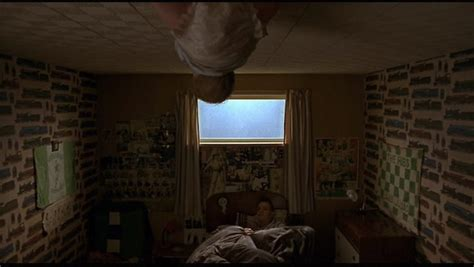 trainspotting bedroom scene 13 mind blowing things in trainspotting you never noticed