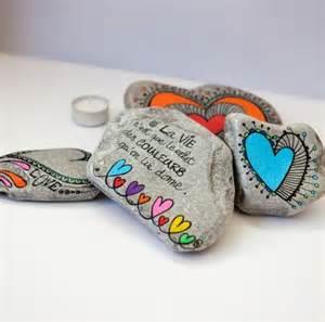 Peints sur pinterest cailloux artisanat en pierre et pointillisme