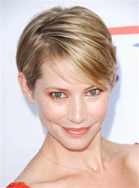 short haircuts for thinning hair on the crown short hairstyles for thin fine hair