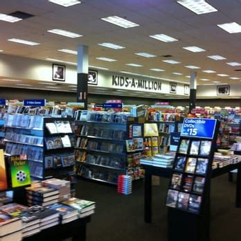 Barnes And Noble Louisville Hours by Books A Million 14 Photos 10 Reviews Bookstores St