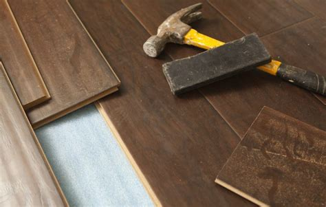 Tile Contractors Luxury Vinyl Vs Laminate Flooring What S The Difference