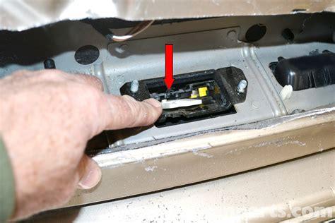 Mercedes Benz W203 Locked Trunk Access 2001 2007 C230