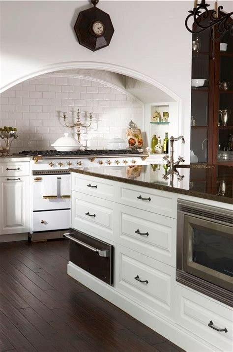 la cornue kitchen designs best 25 traditional kitchen stoves ideas on pinterest traditional kitchen shelfs traditional