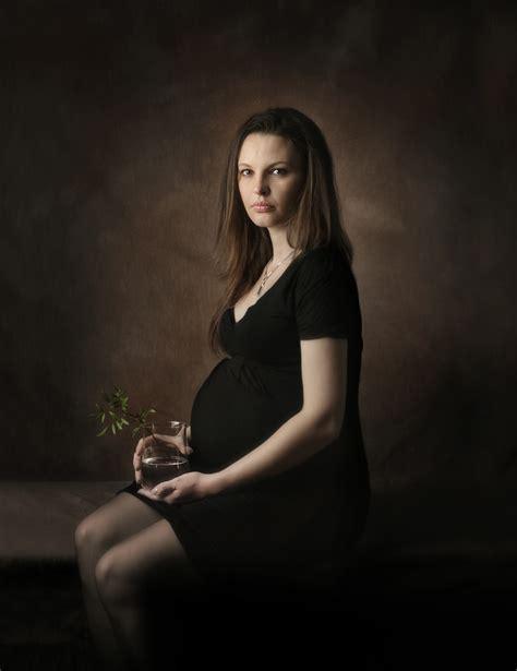 wann können frauen schwanger werden portrait einer schwangeren foto bild erwachsene