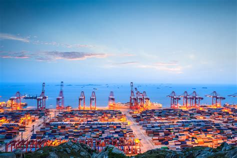 shanghai port struggles in quest to become global shipping