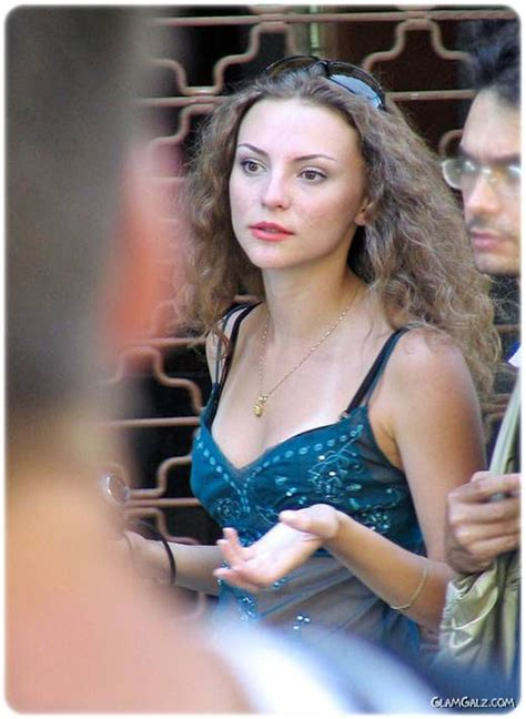 candid beauty capturing street candid beauties