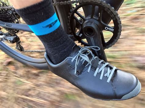 road bike shoes review review shimano xc5 gravel shoes are the do it all