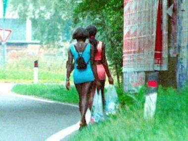puttane a letto citt 224 di due sorelle nigeriane si prostituiscono