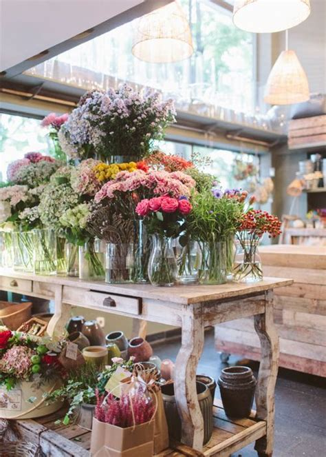 Shop Wedding Flowers by Best 25 Flower Shop Interiors Ideas On