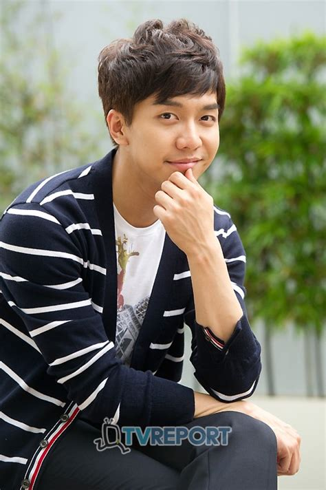 lee seung gi host super junior to host this week s episode of snl korea
