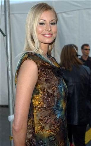 Niki Sues E by Model Sues E Portrayal In Show Today