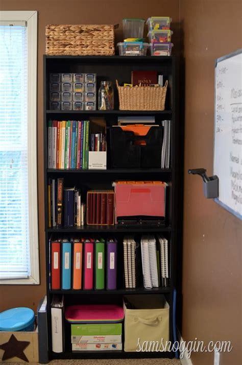 bookshelf organization ideas 353 best images about homeschool organizing and planning