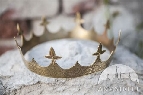 Handmade Crown - noble exclusive handmade crown available in brass by