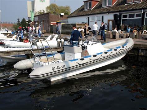 boten te koop harderwijk druk bezochte derde editie in de haven van harderwijk