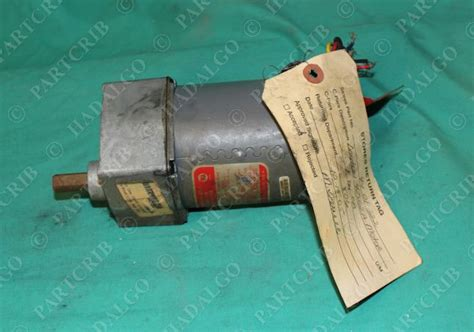 permanent capacitor run motor dayton 4z062a permanent split capacitor gear motor 1 2 quot shaft 11 14rpm new ebay