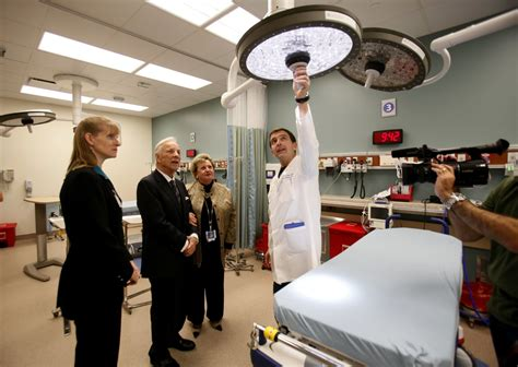Mercy Hospital San Diego Emergency Room by Scripps Mercy Unveils Larger Er The San Diego Union Tribune