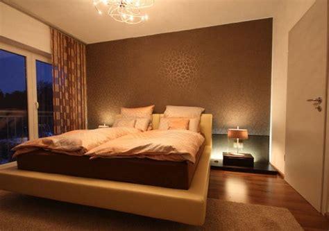 schöne schlafzimmer farben schlafzimmergestaltung mit lederbett raumax