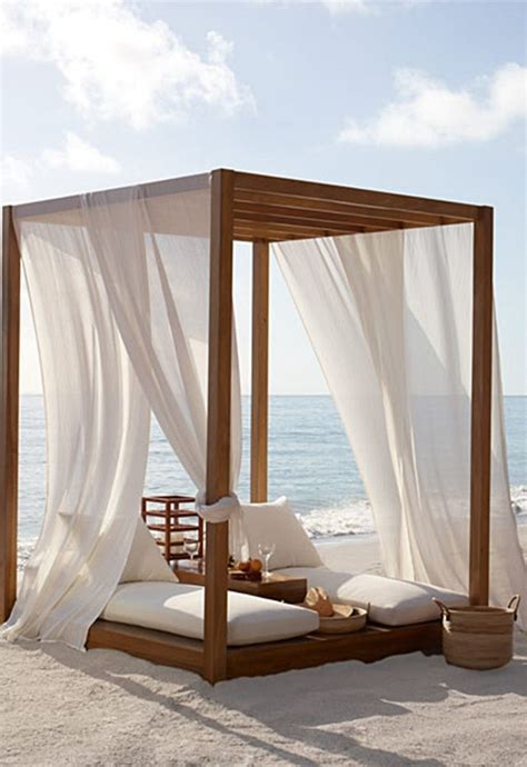 Outdoor Cabana Bed by Best 25 Bed Ideas On Headboard Reclaimed Wood Headboard And Diy Bed Frame