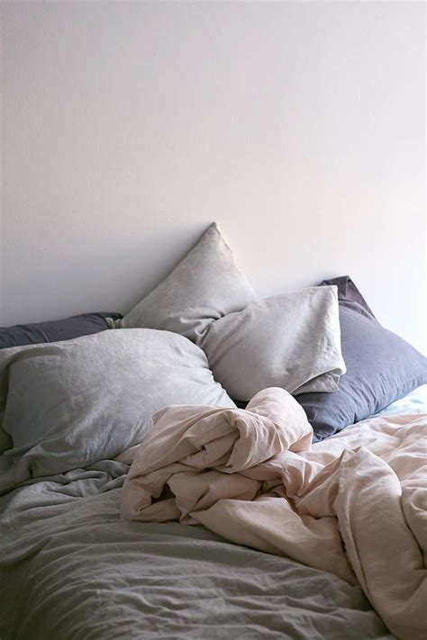 shabby chic style bedding 15 best picks for shabby chic bedding