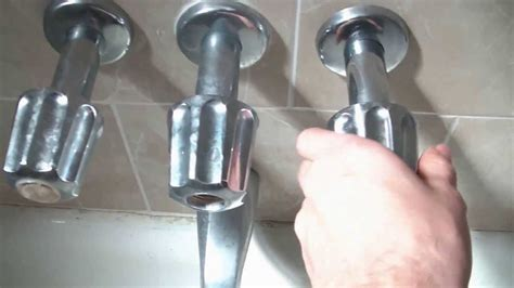 repair leaking bathtub faucet how to fix a leaking bathtub faucet quick and easy youtube