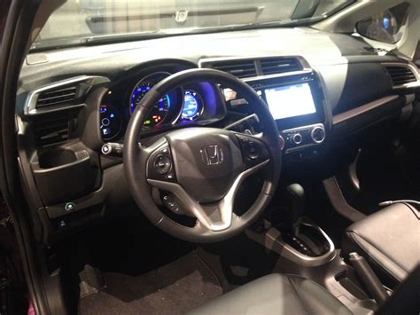 2015 Honda Fit Interior by 2015 Honda Fit Bigger More Powerful And Better Mpg