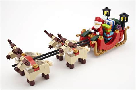 Review   10245 Santa's Workshop   Rebrickable   Build with
