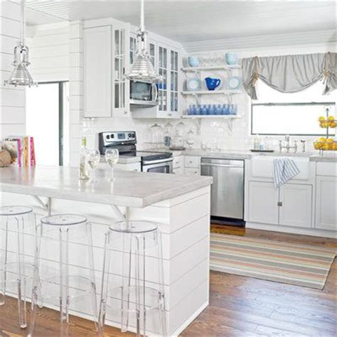 beach kitchen cabinets 19 coastal kitchen makeovers discover more ideas about