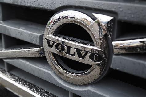volvo trucks logo volvo appoints wagga trucks to service region truck