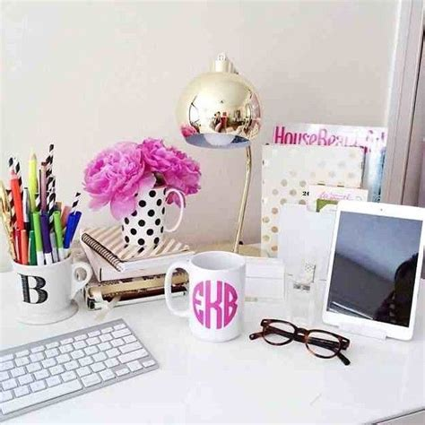17 best ideas about desk decorations on work