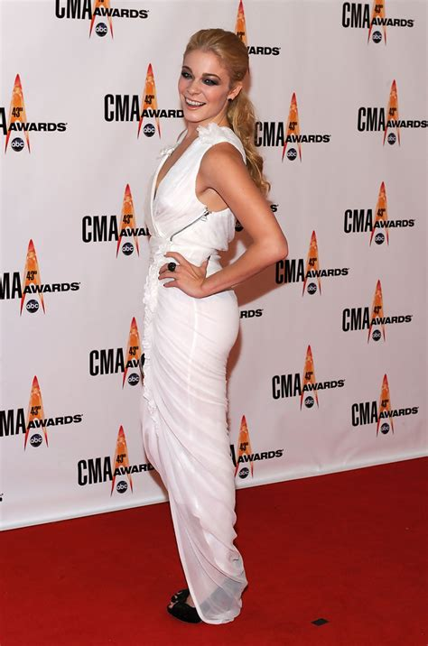 Cma Awards Leann Rimes by Leann Rimes In The 43rd Annual Cma Awards Arrivals Zimbio