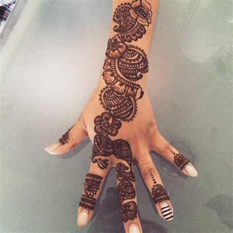 eyebrow threading and henna tattoo near me fatima eyebrow threading henna 60 photos henna