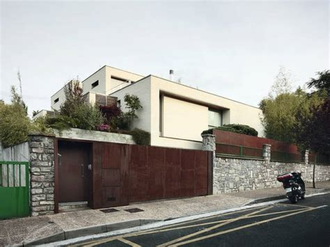 Portico On Colonial House by 15 Fachadas De Muros Modelos E Tipos Aqui