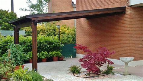 montaggio tettoia in legno tettoia in legno con chiusure a pannelli rimuovibili loc