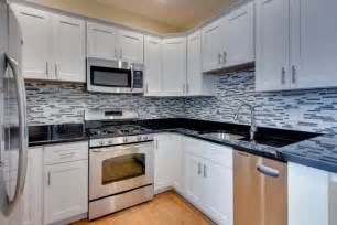 kitchen backsplash ideas black granite countertops white