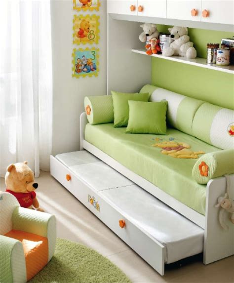 divanetti per bambini letto a divano di winnie the pooh per cameretta