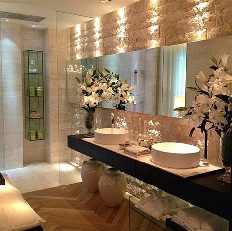 Luxurious Bathroom Ideas by Best 25 Luxury Bathrooms Ideas On Pinterest Luxurious