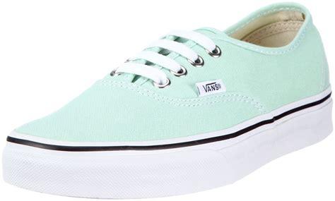amazon vans amazon com vans unisex s vans authentic skate shoes 5