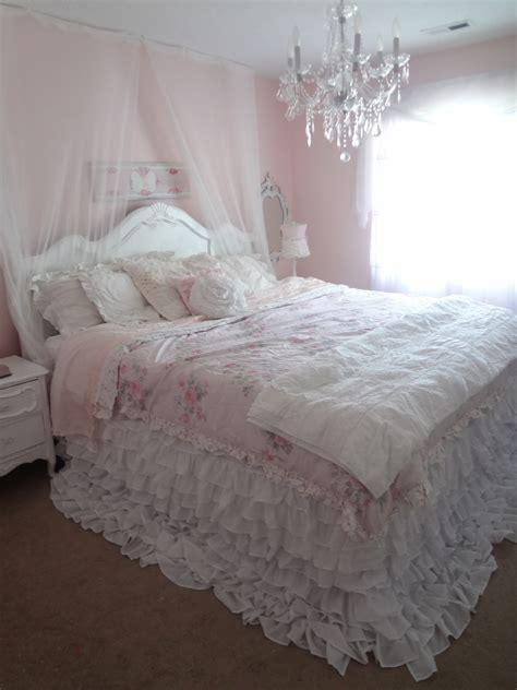 bedding shabby chic not so shabby shabby chic my new ruffly bedding