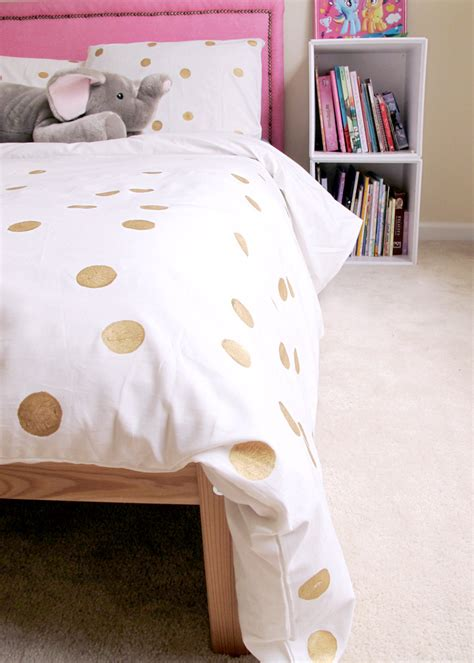 Diy Comforter by Easy Painted Dot Duvet Diy Andrea S Notebook