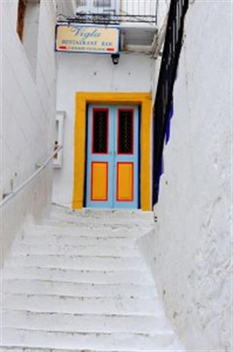 colorful doors jigsaw puzzle puzzlewarehouse com colorful door jigsaw puzzle
