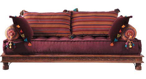 divano indiano un letto da riposo indiano per un tocco cosmopolita