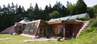 file earthship brighton front jpg wikimedia commons
