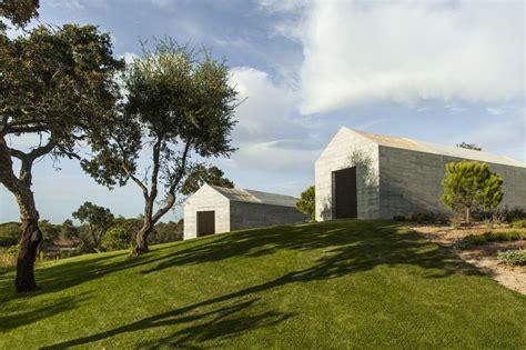 a beach house in portugal goes modern design milk grandola house melides portugal sleeps 8 the modern house