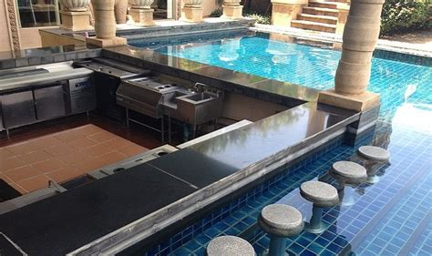 Underwater Swimming Pool Bar Stools by 33 Backyard Ideas To Enhance Your Swimming Pool Area