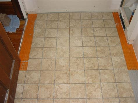 Vinyl Floor Underlayment by How To Install Sheet Vinyl Flooring Ceramic Tile Ehow