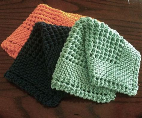 how to knit a washcloth 25 best ideas about knitted washcloths on